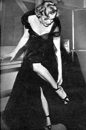 Фото №2 - Легенды «Оскара»: самые известные платья в истории премии