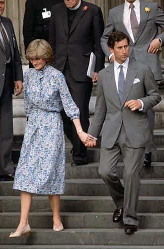 Фото №5 - Непристойная Меган: роялисты подписывают петицию против невесты принца Гарри