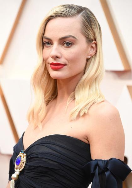 Фото №2 - «Оскар-2020»: самые красивые бьюти-образы