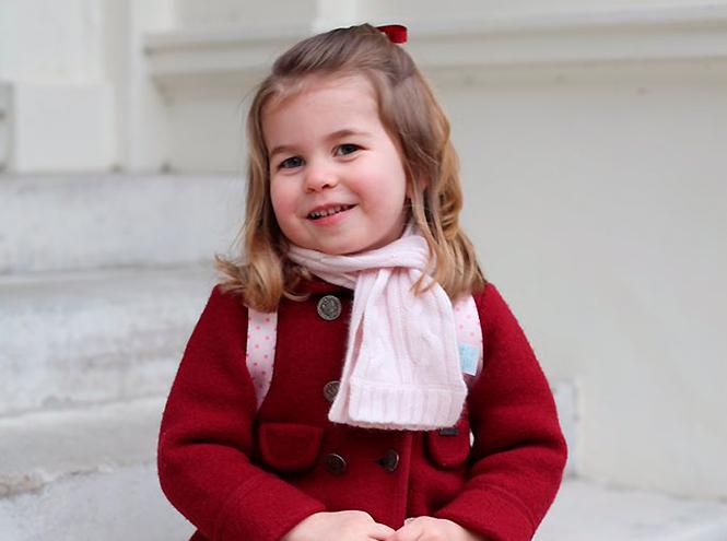 Фото №1 - Принцесса Шарлотта пошла в детский сад