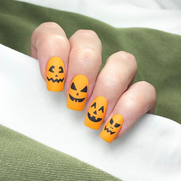 Фото №5 - Тыквы, летучие мыши и привидения: 10 классных вариантов маникюра на Хэллоуин
