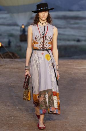 Фото №9 - Woman Power: круизная коллекция Dior 2018