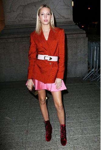 Фото №8 - Королевский стиль: греческая принцесса затмила всех на неделе моды в Нью-Йорке