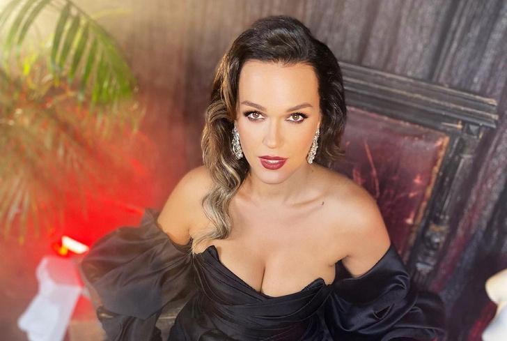 Фото №1 - Певица Слава ответила Ксении Собчак на упреки в сексуальности: «Мамулечка еще эге-гей»