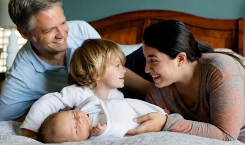 Фото №1 - Как будут выплачивать пособия по беременности и родам в 2021 году? В фонде соцстраха назвали максимум и минимум
