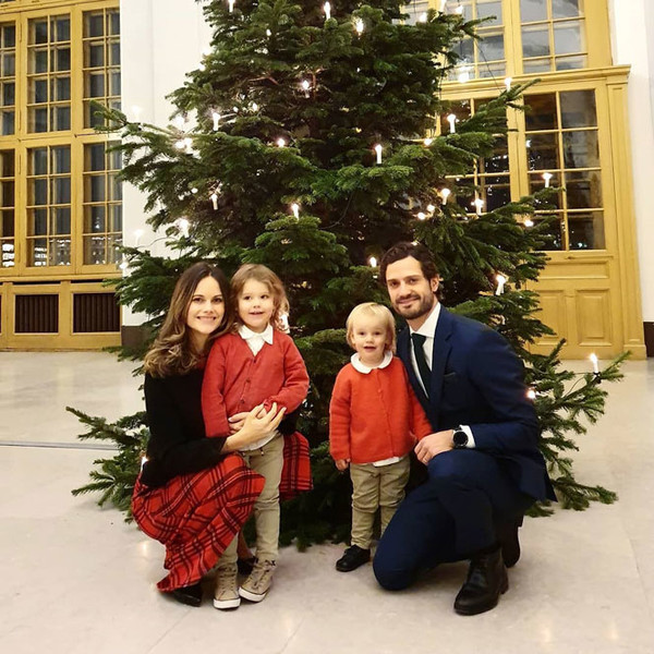 Фото №10 - Самые милые и долгожданные рождественские королевские открытки 2019