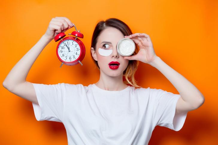 Фото №1 - Как быстро стереть следы усталости с лица и сиять на празднике, когда времени в обрез