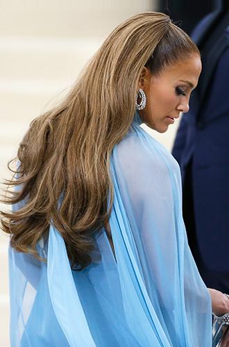 Фото №8 - Как носить нарощенные волосы, как Джейн Фонда, и выглядеть на 20 лет моложе