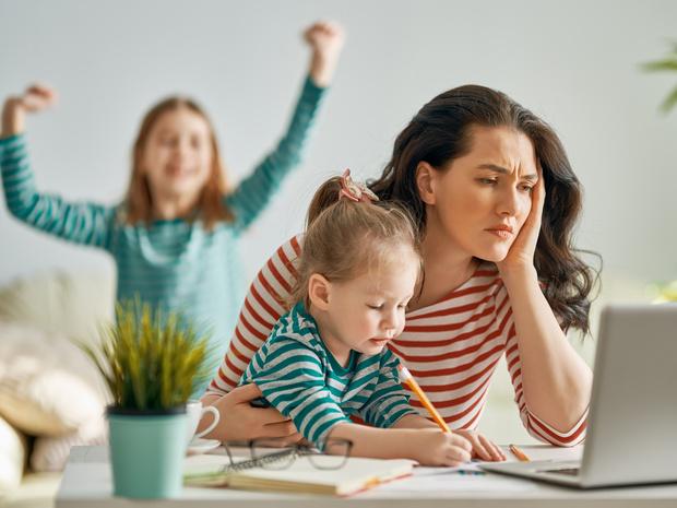 Фото №1 - 10 стереотипов о «плохой» матери, которые на самом деле являются нормой