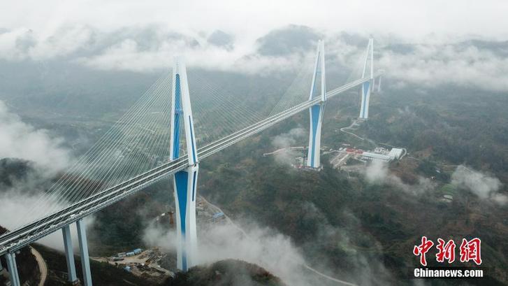 Фото №1 - Китайцы построили еще один супермост (галерея)