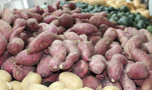 Фото №1 - Роспотребнадзор посоветовал покупать грязные овощи и фрукты в магазинах