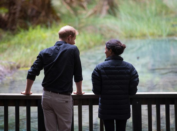 Фото №7 - Как Меган и Гарри подрывают старейшую традицию королевской семьи