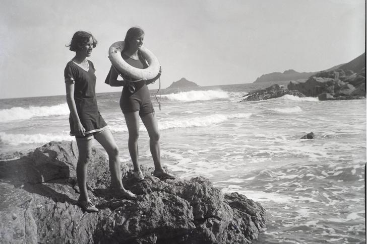 Фото №6 - Путешествие во времени по пляжам: от бикини до шаровар