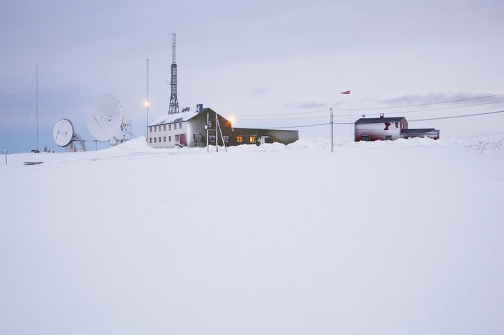 Фото №1 - В снегах Арктики обнаружен микропластик