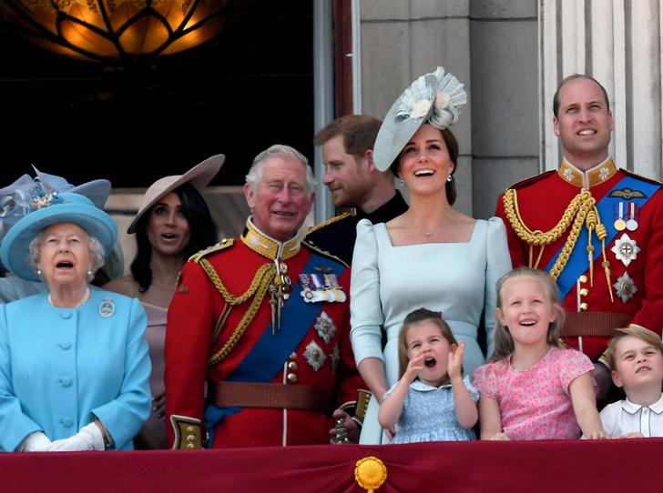 Фото №3 - Принц Чарльз — самый расточительный путешественник среди Виндзоров