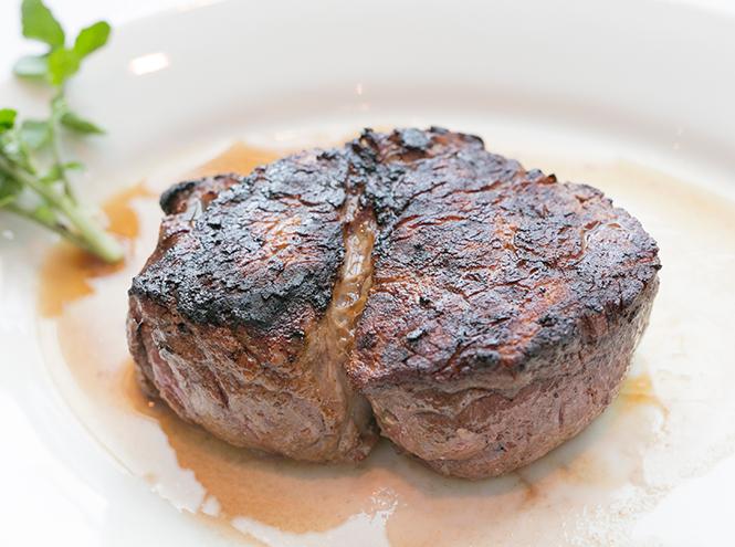 Фото №8 - Что едят шеф-повара: «мясо разбойника», уха на молоке и пирог c рыбой и салом
