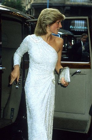 Фото №18 - Как принцесса Диана одевалась в 90-е годы