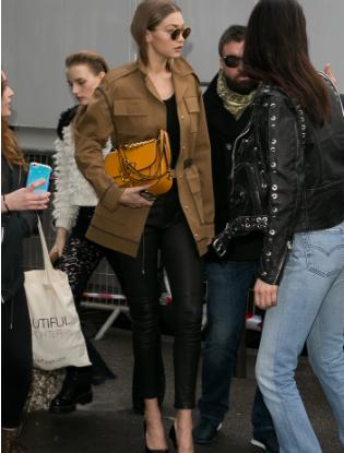 Фото №5 - Трое из ларца: сумки Miu Miu Dahlia теперь в Москве