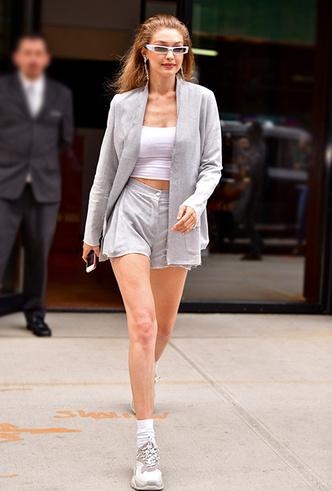 Фото №6 - Микрошорты: как носить самый модный «низ» этого лета