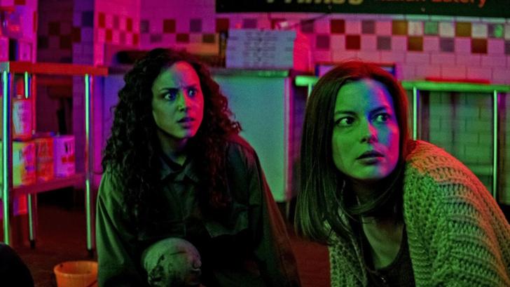 Фото №2 - Netflix показал, что происходило за кадром трилогии «Улица Страха» 😃
