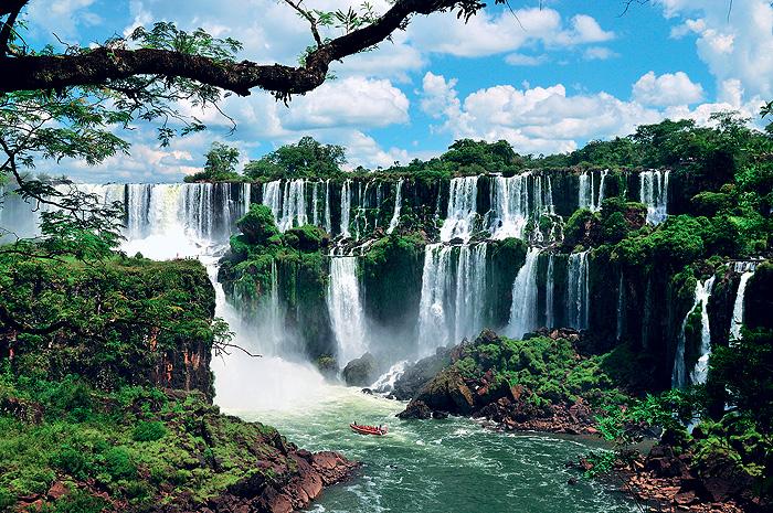 Фото №1 - Место дня. Водопад Игуасу (Аргентина — Бразилия)