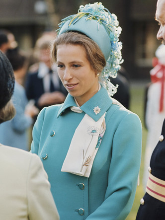 Фото №34 - Одним цветом: как королевские особы носят монохромные образы— 30 вдохновляющих примеров