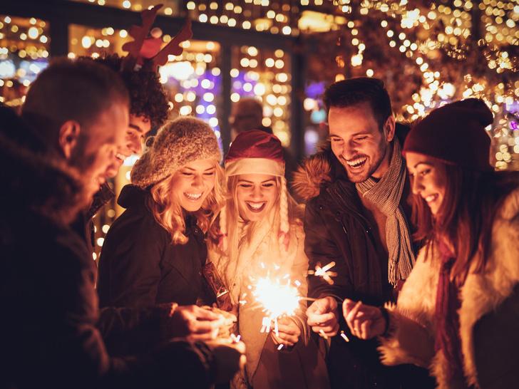 Фото №3 - 6 главных новогодних примет (и стоит ли в них верить)