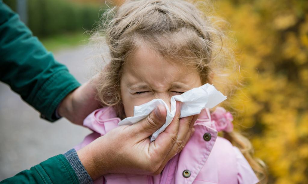 «Ребенок не болеет, но постоянно заложен нос, что это?»— и еще пять вопросов педиатру