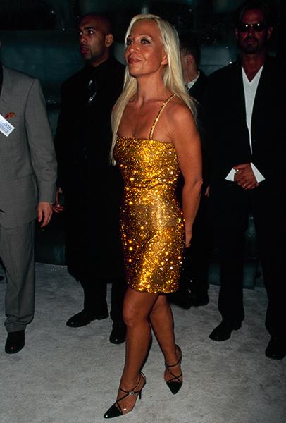 Фото №2 - Стальная блондинка: 5 секретов Донателлы Версаче