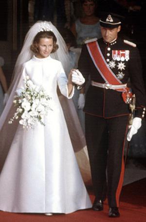Фото №10 - Пять королевских невест, отказавшихся от тиары на свадьбе