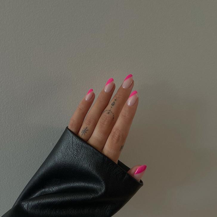 Фото №3 - Go pink! 15 идей розового маникюра