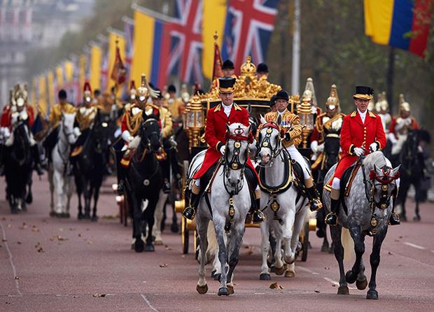 Фото №3 - Повезет – не повезет: кого из президентов Елизавета II катала в своей карете