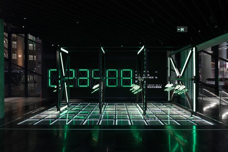 Фото №5 - Флагманский бутик Nike в Шанхае