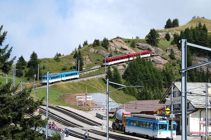 Фото №1 - В Швейцарии запустили отдельные вагоны для китайских туристов