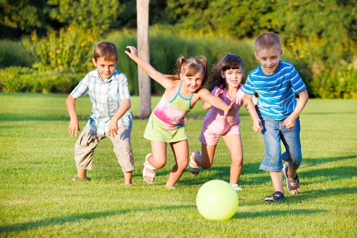 Фото №1 - Риск получить травму во время игр на улице идет детям на пользу