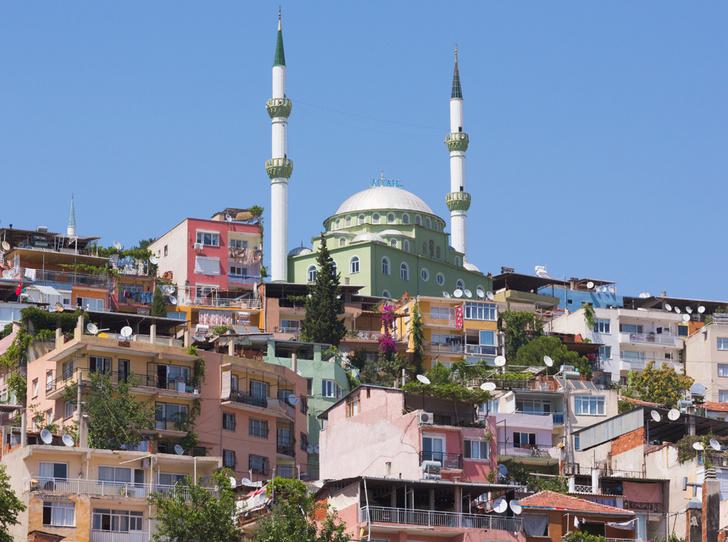 Фото №12 - Где спрятаться от туристов: 10 городов-альтернатив в Европе