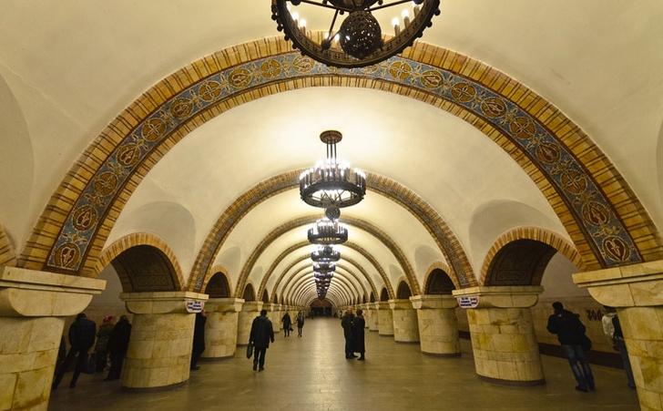 Фото №11 - Подземные дворцы и не только: самые красивые в мире станции метро