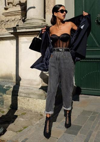 Фото №3 - Тренд: с чем носить джинсы-слоучи в повседневной жизни