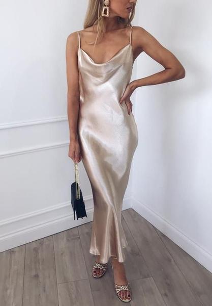 Фото №1 - Платье-комбинация: смотри, с чем носить на новогодней вечеринке