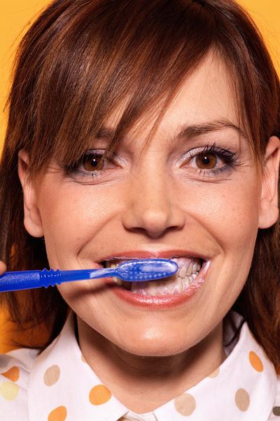 белые пятна на зубах от чего