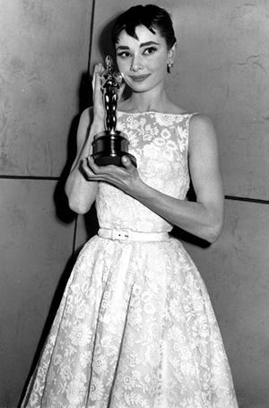 Фото №7 - Легенды «Оскара»: самые известные платья в истории премии