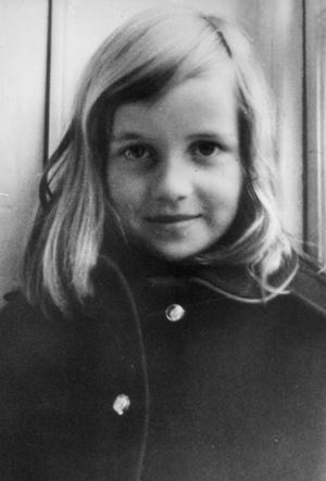 Фото №4 - Родная кровь: в чем Шарлотта все больше становится похожа на принцессу Диану