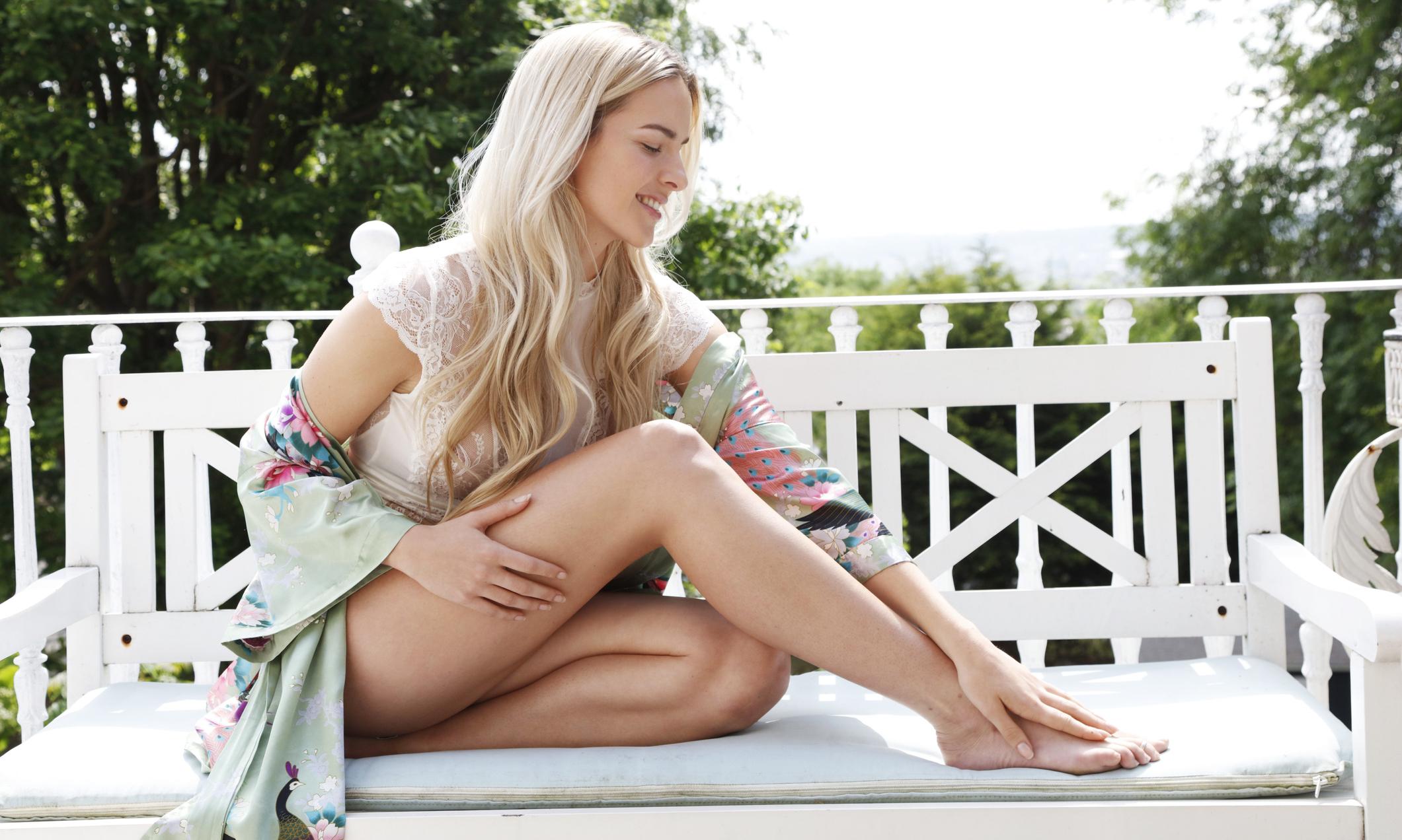Как скрыть синяки на ногах: полезные экспресс-советы