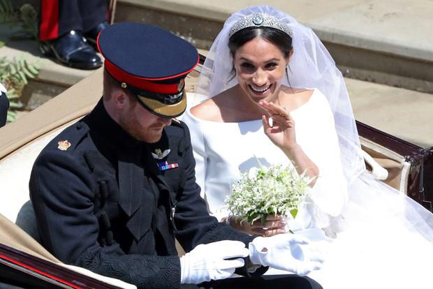 Фото №2 - Когда жала не корона: на какое неудобство принц Гарри пожаловался Меган прямо на свадьбе