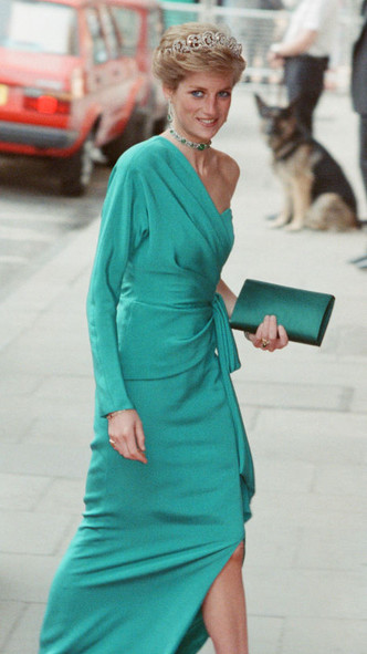 Фото №5 - Модный скандал: культовый образ Дианы, который вызвал негодование у Королевы