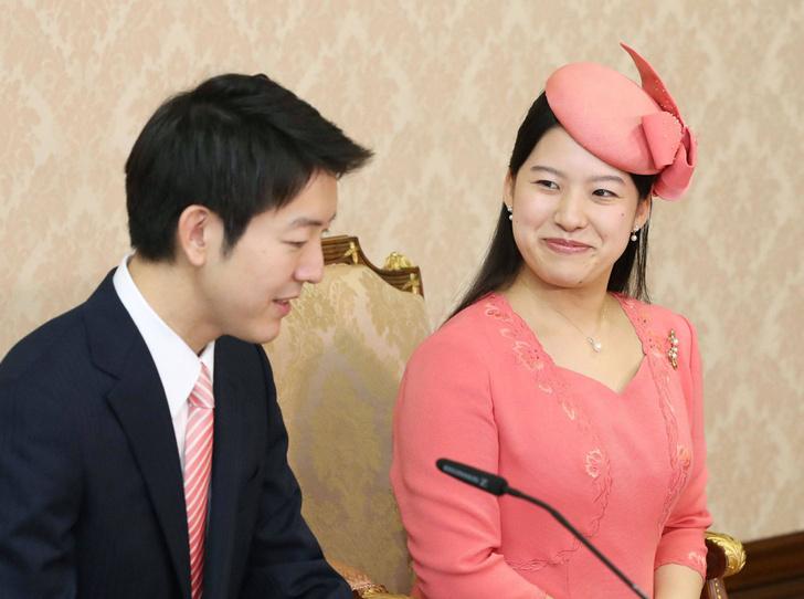 Фото №1 - Как прошла официальная помолвка японской принцессы Аяко