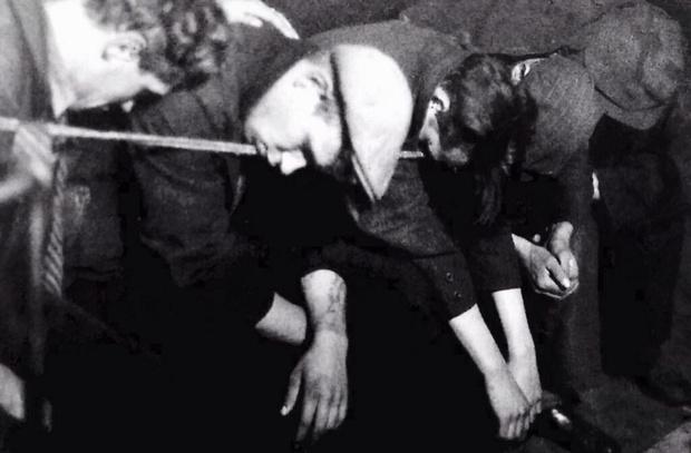 Фото №1 - История одной фотографии: ночлежка на весу, 1930-е годы