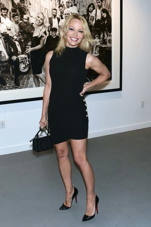 Фото №22 - Скандальная, модная, смелая: правила стиля Памелы Андерсон