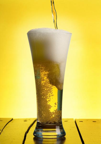 Пивовар - профессия неженская, но некоторые представительницы слабого пола пренебрегают условностями