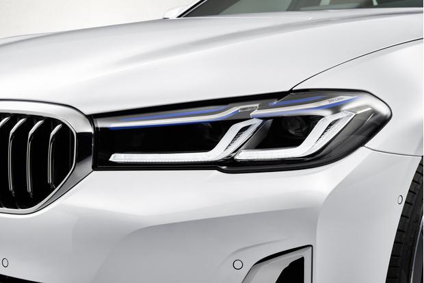 Фото №2 - BMW рассекретила обновленную «пятерку»